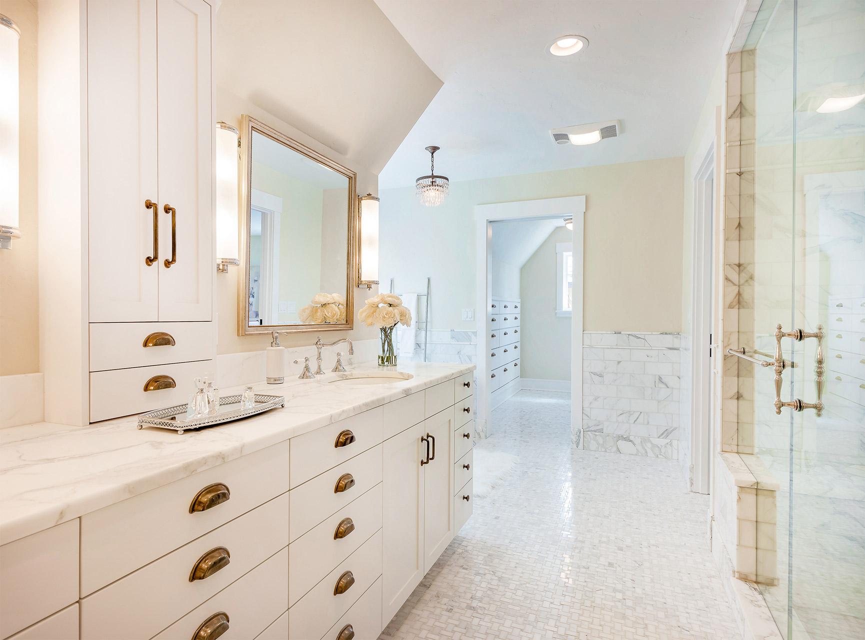 bathroom-calacattaPrimo-AQ9784-MonarchCollection
