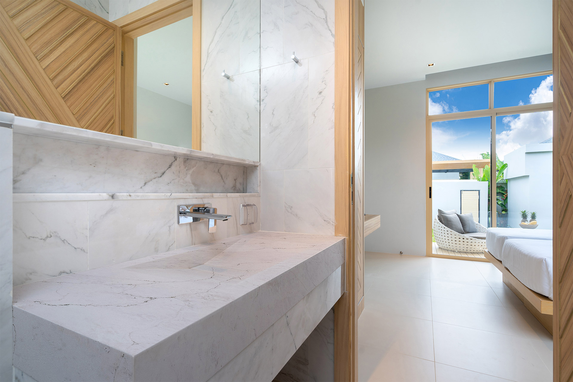 bathroom-neveSupreme-AQ9842-MonarchCollection